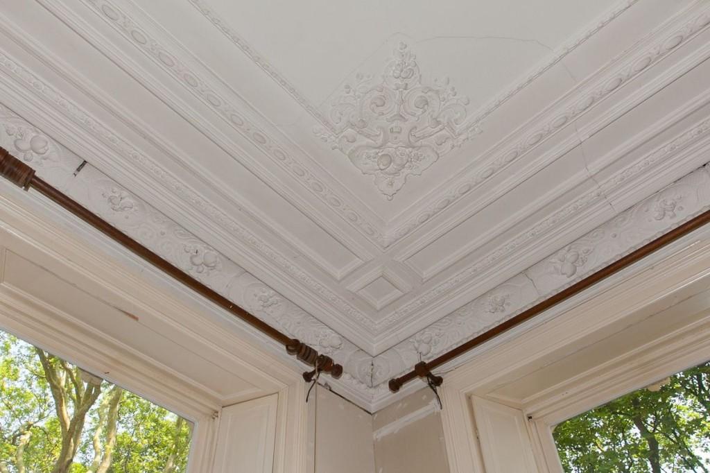Bewerkt plafond
