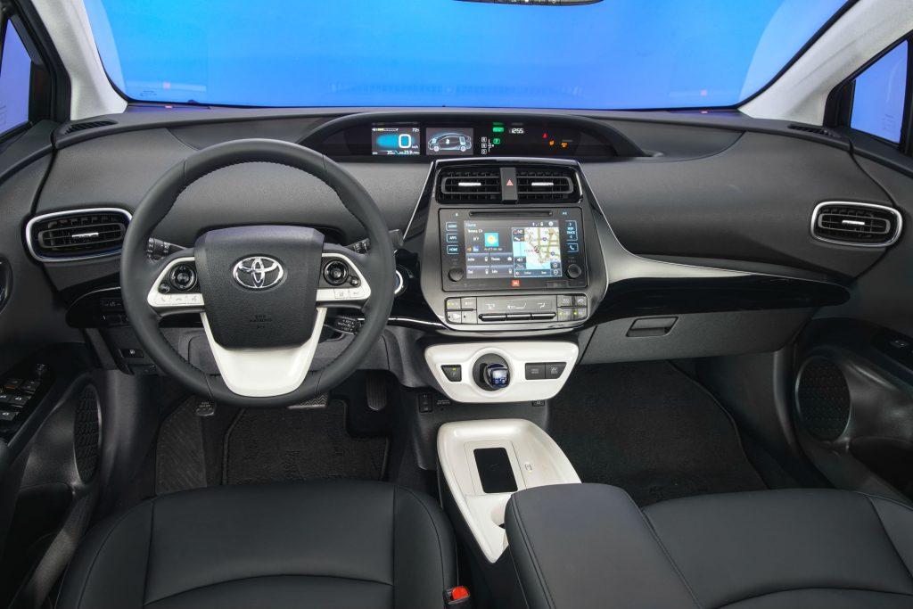 2016_Toyota_Prius_Four-Touring_251