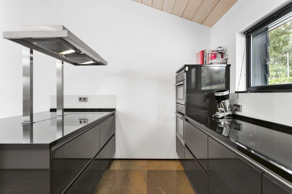 Zwevende Open Keuken : Classyliving: eigentijds en riant domein net buiten oosterhout