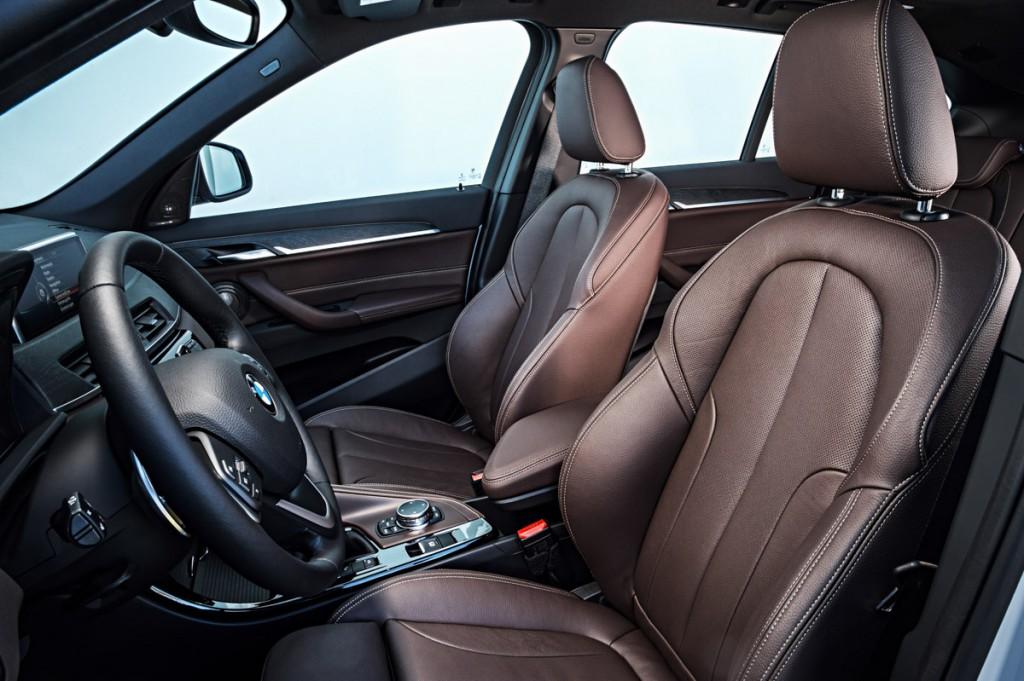 BMW-X1-2015-12