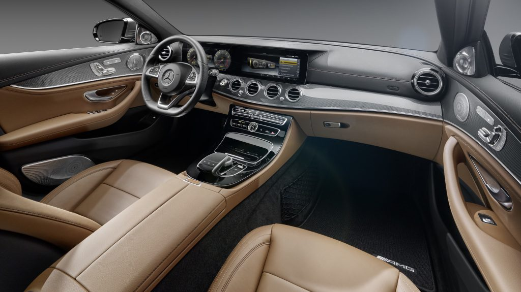 Mercedes-Benz E-Klasse, Interieur, Leder schwarz/sattelbraun