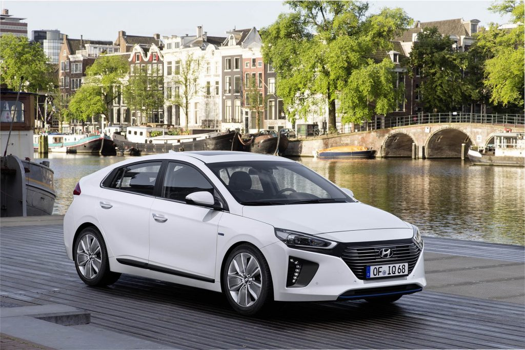 Hyundai-IONIQ-Hybrid-3
