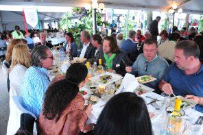 Tweede Rotary Soestdijk Midzomer Dorpsdiner in Baarn, 17 juni