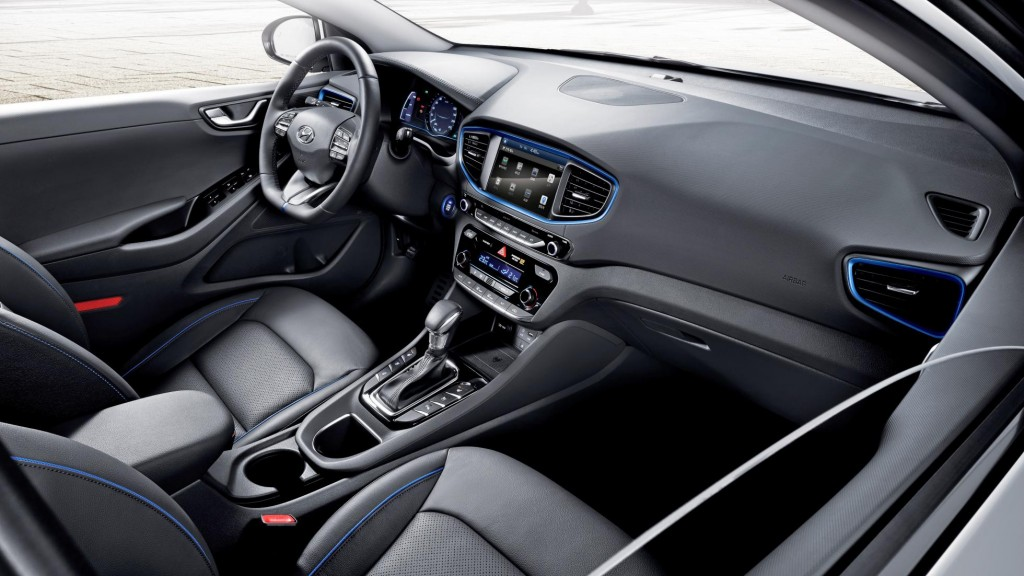 ioniq_a_leap_forward_for_hybrid_vehicles_interior