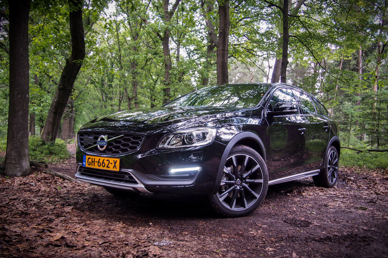 classydriving volvo v60 cross country t5 classylifeclassylife. Black Bedroom Furniture Sets. Home Design Ideas