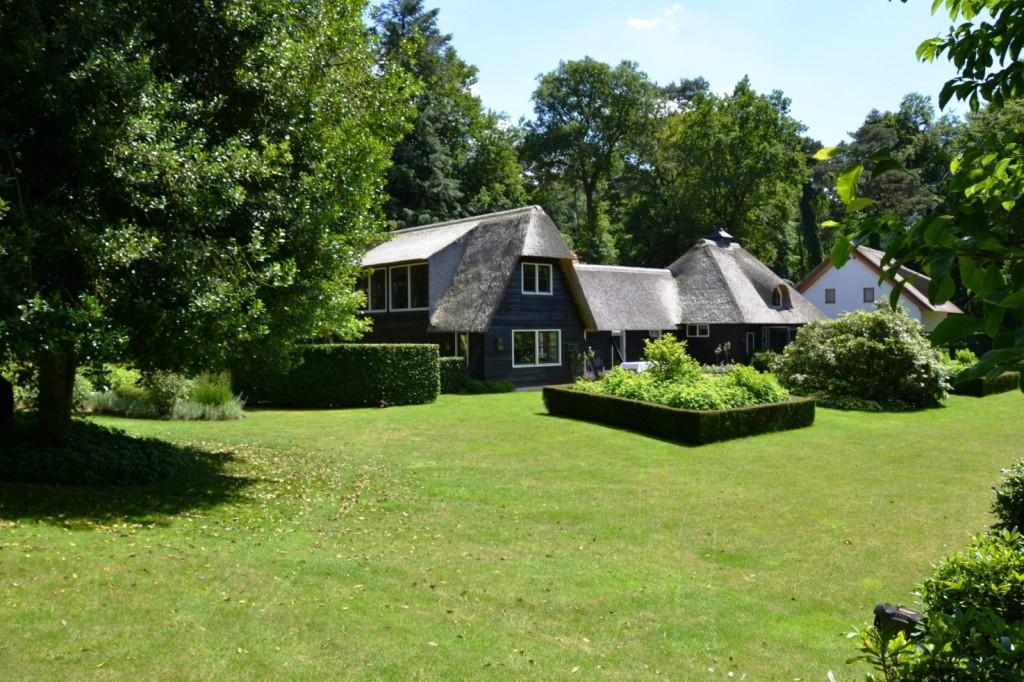9.-private-villa