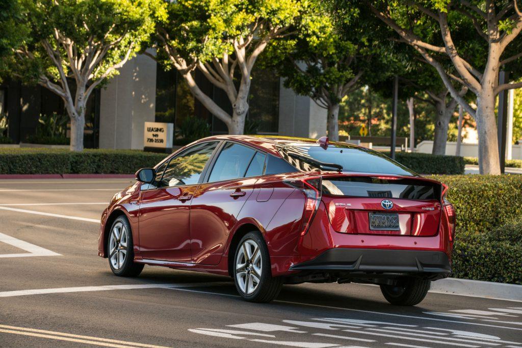 2016_Toyota_Prius_Four-Touring_191