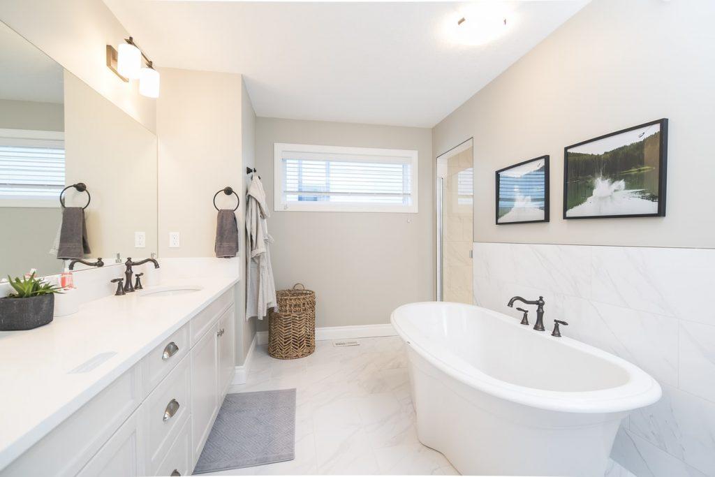 grote-spiegel-badkamer