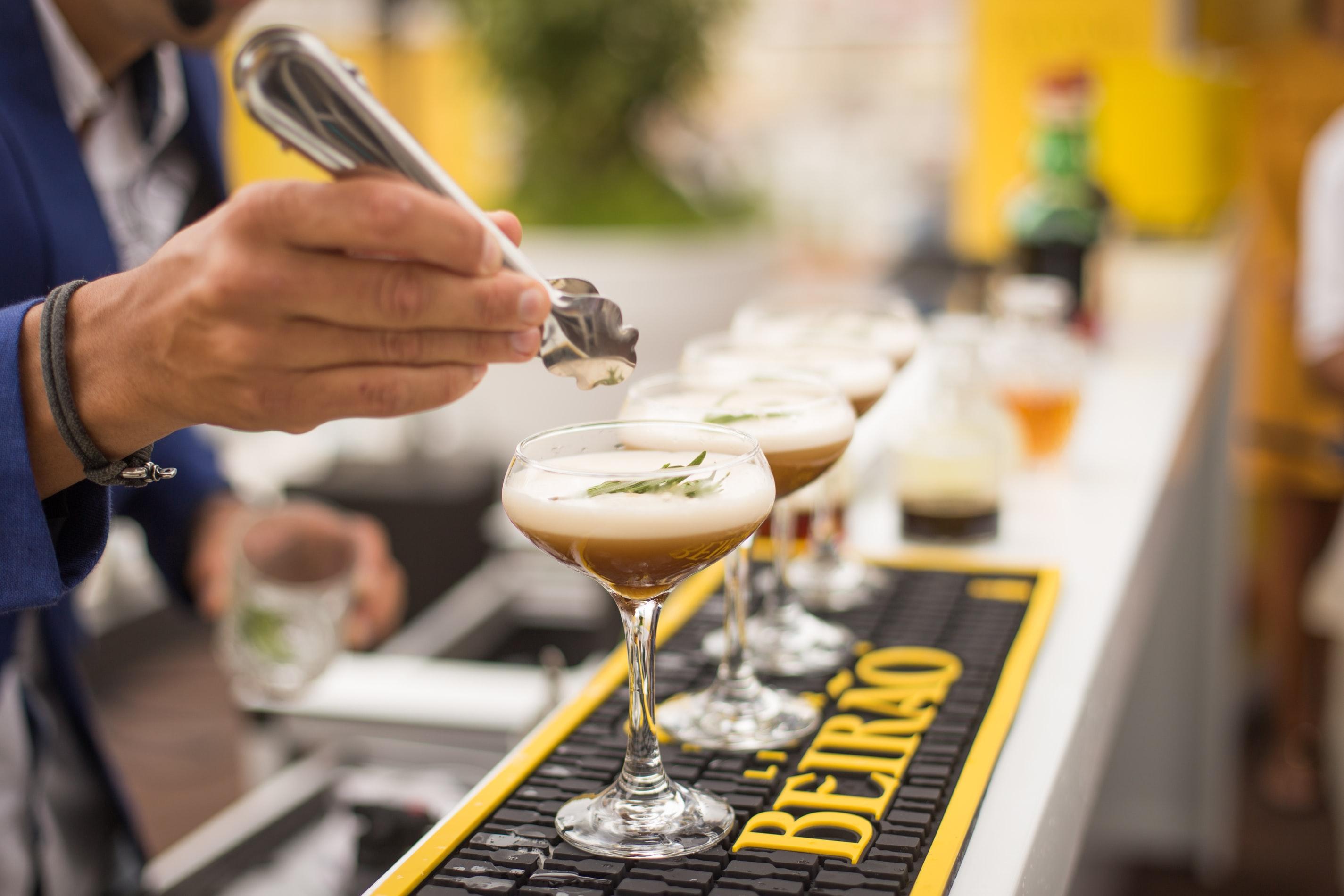 barman-cocktail