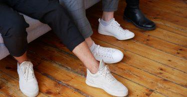 houten-vloer-sneakers