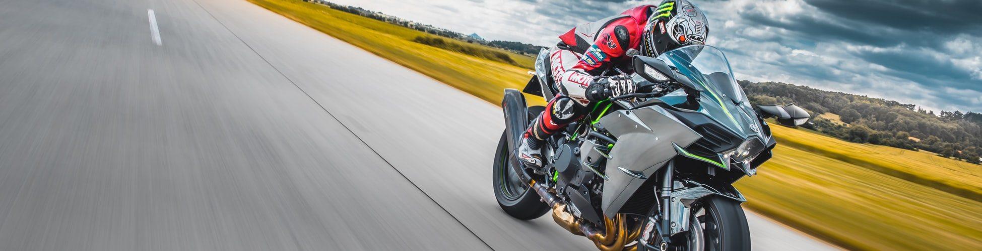 snelle-motor-rijder