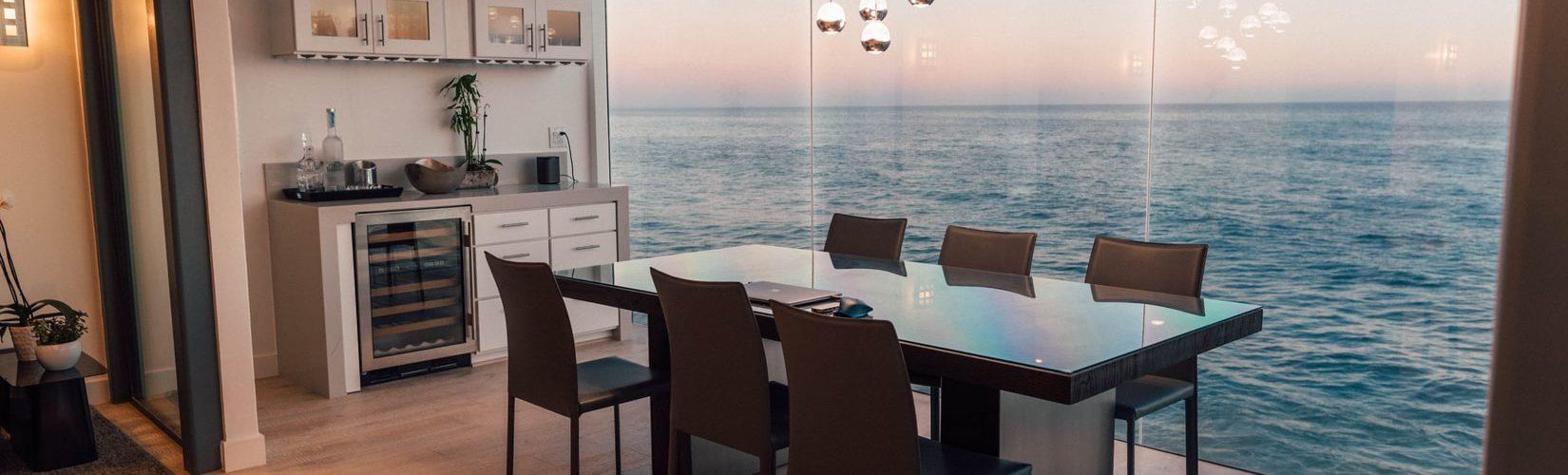 luxe-eetkamer-zeezicht