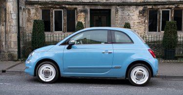 lichtblauwe-auto