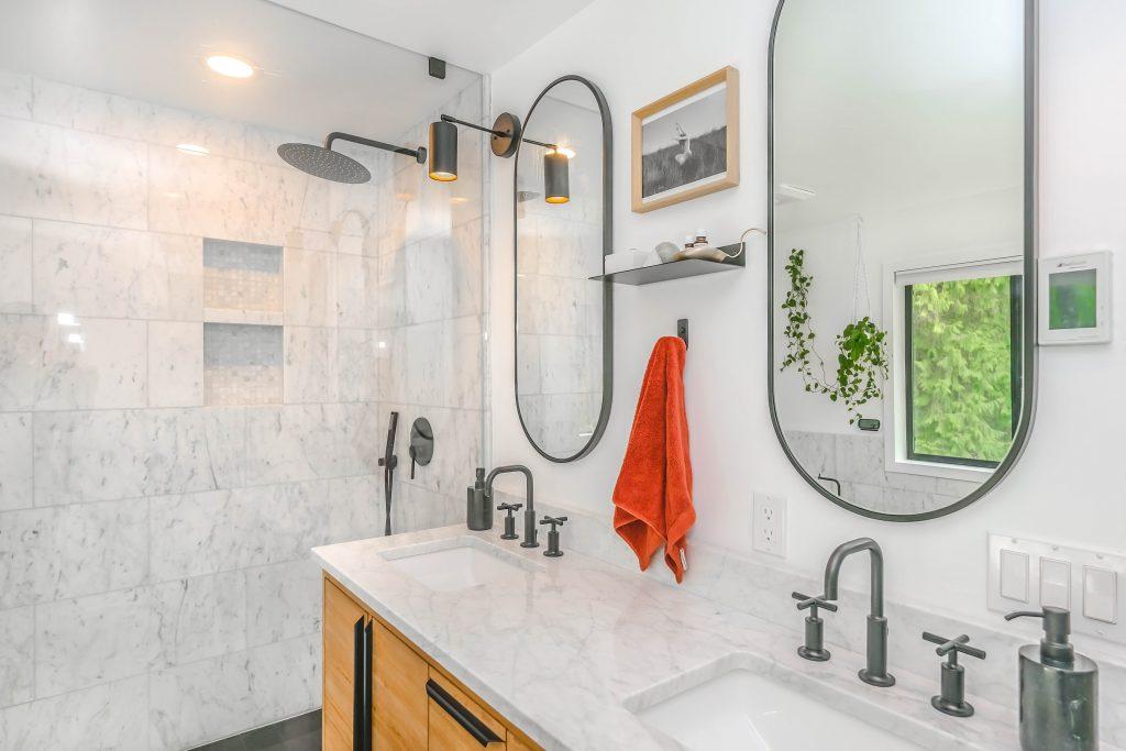 wit-marmer-badkamer-modern