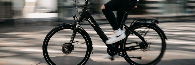 zwarte-elektrische-fiets
