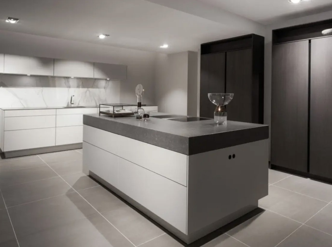 minimalistisch-keuken-eiland-modern-strak