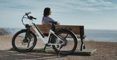 witte-elektrische-fiets