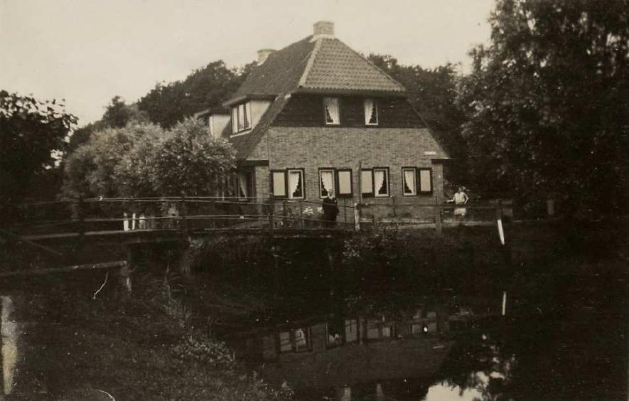 Metgensbleek-oude-brug-voorzijde